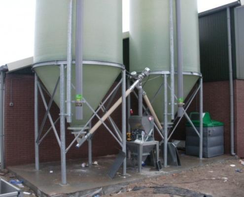 2 silo's